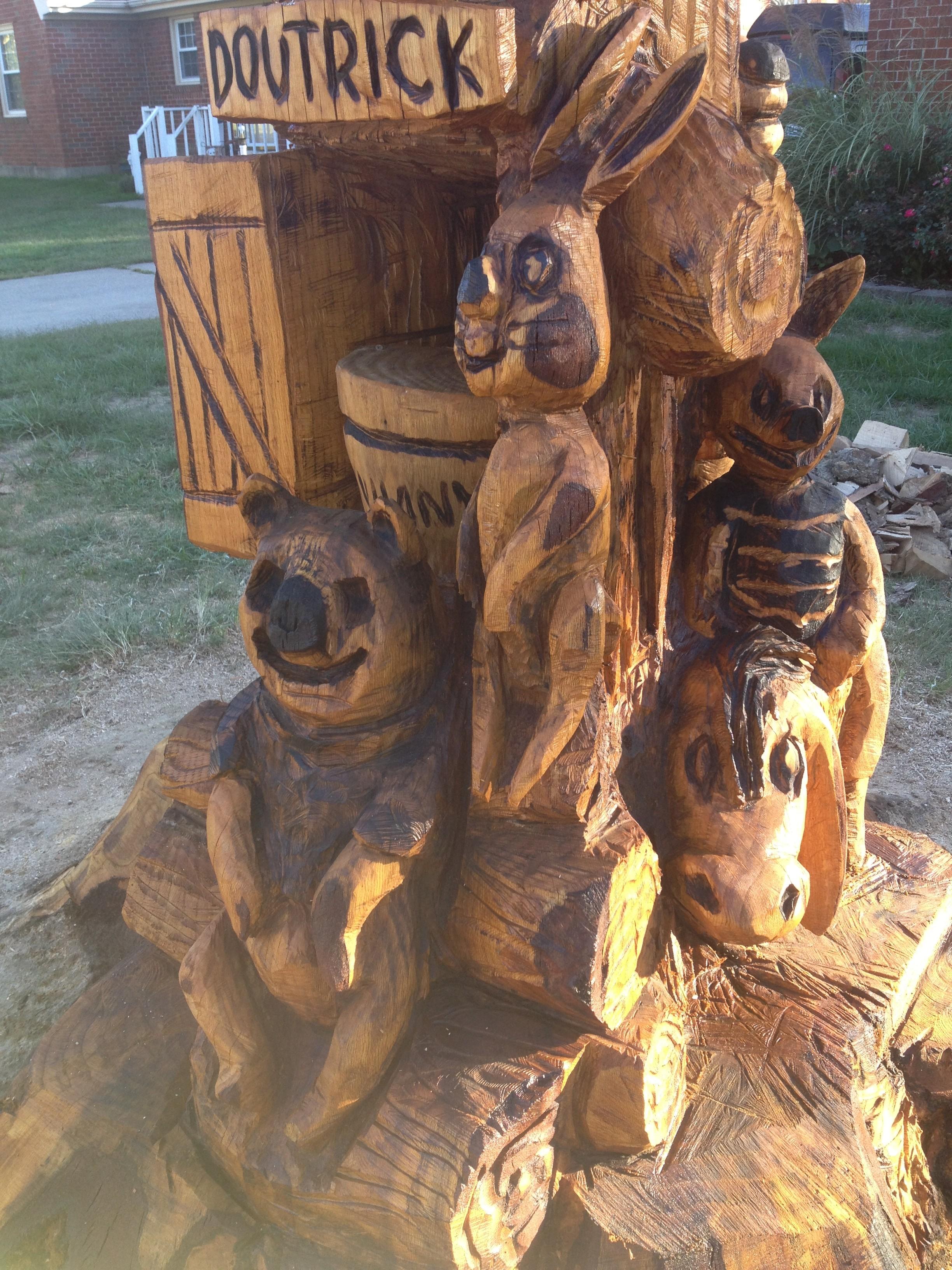 Roark phillips chainsaw carving stump carving artist sculpture