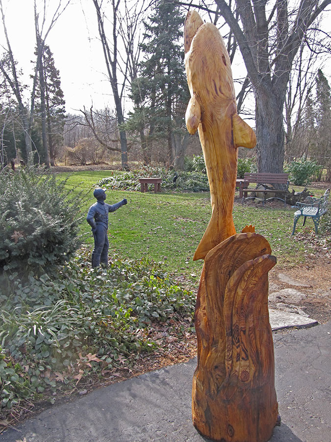 Robert peterson builder remodeler chainsaw carvings