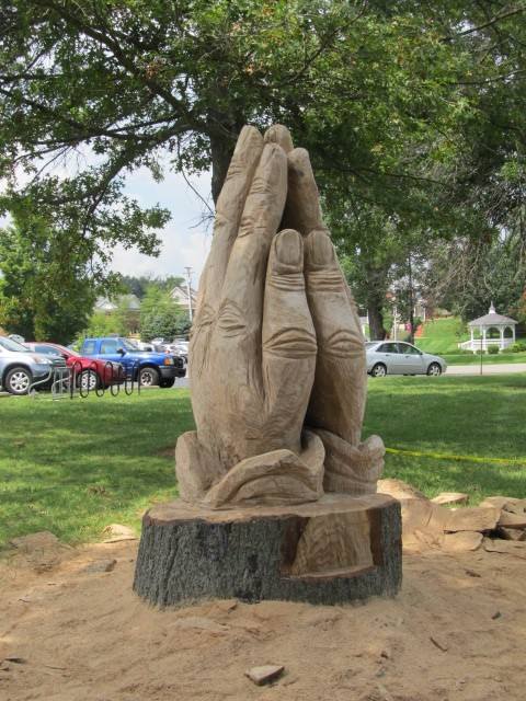 Campbellsville university praying hands rob peterson carving